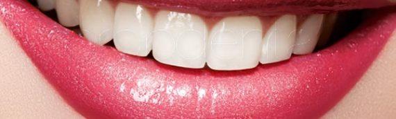 Cómo descuidar tus dientes acaba pasando factura en cuello y espalda